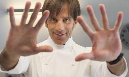 Chef Oldani dà spettacolo (e riso) al Salone del Mobile di Bergamo