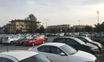 Cittadini contro studenti a Dalmine È ripartita la guerra dei parcheggi