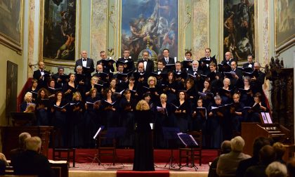 Omaggio di due cori e della figlia al grande maestro Guido Gambarini