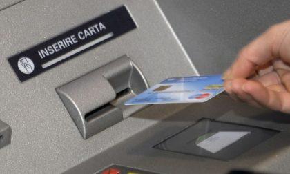 Intesa e Bper, domenica scorsa segnalati bancomat in tilt