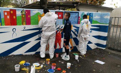 Lacrime di colore contro il bullismo Murales degli alunni a Osio Sotto