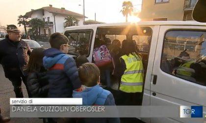 Treviolo, i bimbi a scuola li portano gli Alpini (che son finiti pure in tv!)