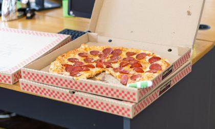 Cinque notizie che non lo erano Mangiate pure la pizza nel cartone