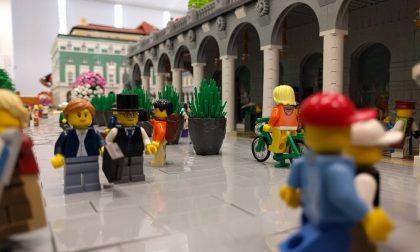 Invasione (aliena?) in pieno centro La Bergamo di Lego è sotto attacco