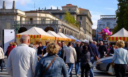I 50 negozi che scendono in piazza Sconti da Sbarazzo sul Sentierone