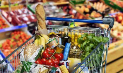 Impennata dei prezzi alimentari a Bergamo. «Incide anche la chiusura di bar e ristoranti»