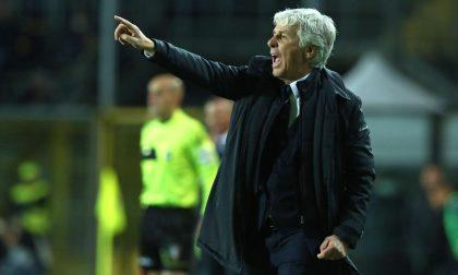 A Napoli in campo i titolari E i tifosi applaudono il Gasp