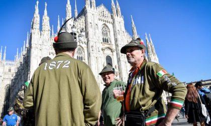 Niente finanza, business o moda Per tre giorni, Milano è degli Alpini