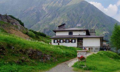 Accusa un malore mentre sale al Curò: gravissimo un escursionista di 64 anni