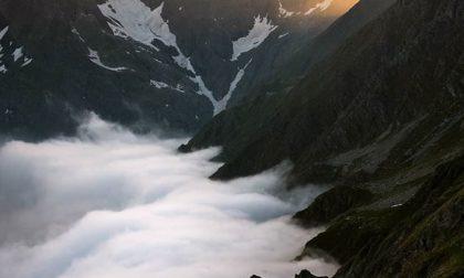 Un mare di nubi al Rifugio Brunone – Helder Amboni