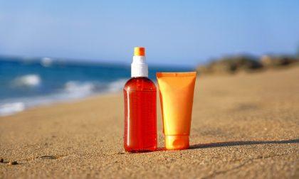 Prima di partire per le vacanze due o tre cose sulle creme solari