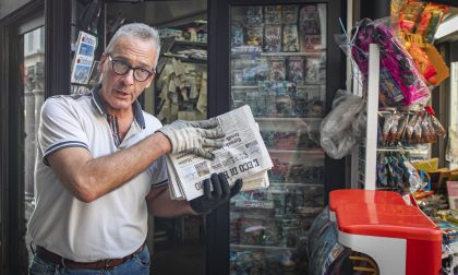 Robi, l'edicolante che da 50 anni dà il buongiorno alla Cinque Vie