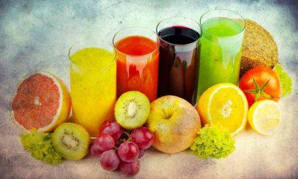 Date da bere ai vostri bambini Quando serve e con tanta frutta