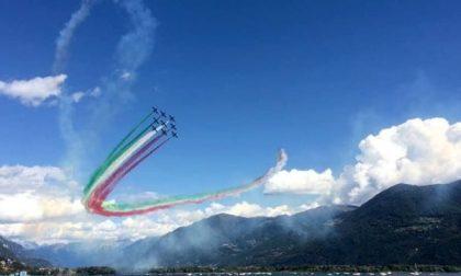 Il video delle Frecce Tricolori che fanno un test sopra Lovere