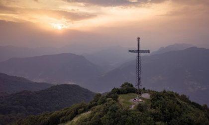 Storia delle tre croci in cima al Canto Alto