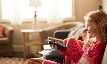 Ai bambini la tv piace da morire Più di tablet e smartphone