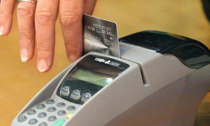 Più di un bergamasco su due preferisce ormai i pagamenti elettronici al contante