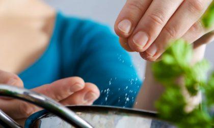 Ecco 5 consigli per ridurre il sale senza togliere gusto al cibo