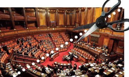 Il taglio di senatori e deputati ha il sapore di un suicidio di massa