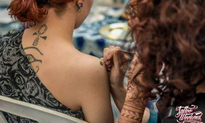 La carica di ben 180 tatuatori Per tre giorni sono a Chiuduno