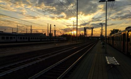 In attesa di un treno... - Nicola Aresi