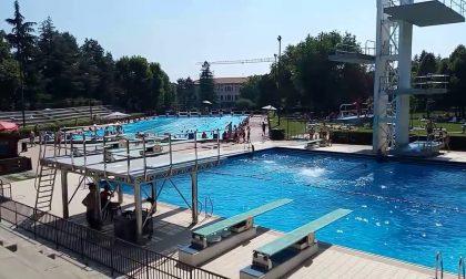 Riaprono al pubblico le piscine Italcementi: il 6 giugno corsi ed esibizioni per i bambini