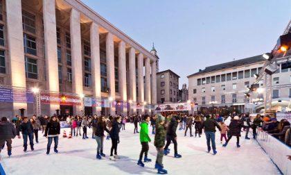 Si può pattinare in (piazza) Libertà  Pista di ghiaccio fino al 19 gennaio