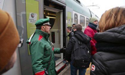 Ennesimo reclamo di una pendolare e non risposta (piccata) di Trenord