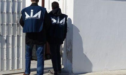 Maxisequestro all'ex capo di una banda di ladri: travestiti da carabinieri rubavano in casa