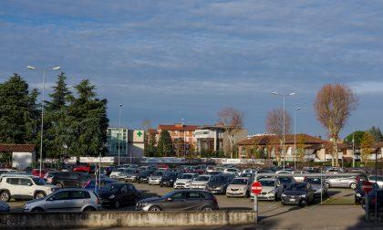 «Il piazzale del mercato non basta» A Dalmine parcheggi protagonisti