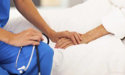 Due donne aiutano «i malati gravi a vivere». Romina e Mariavittoria sfidano la paura