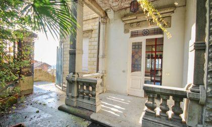 Sulla scalinata di Sant'Alessandro sospesi tra bellezza e poesia