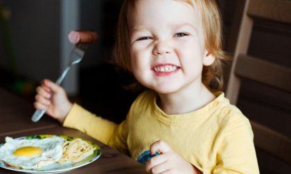 Serve una sana alimentazione per crescere bene i bambini