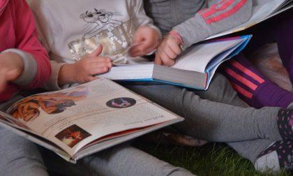 La proposta del consigliere Sironi: «Insieme al cibo distribuiamo libri per i bambini»