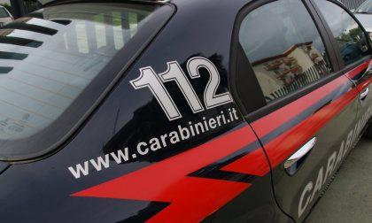 Rubano televisori e monopattini elettrici a Stezzano, arrestati marito e moglie