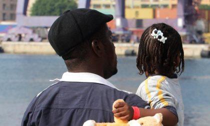«Bonus famiglia discriminatorio» in Lombardia, il giudice dà ragione a Cgil e Asgi