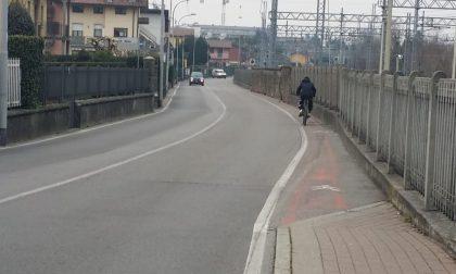 A piedi e in bici da Locate si rischia grosso. I cittadini chiedono interventi