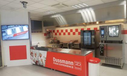 Inaugurate a Capriate le nuove cucine sperimentali di Dussmann Service
