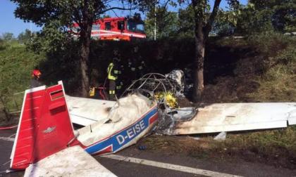 Disastro aereo di Orio: Pessina e Defendi donano le onorificenze alle figlie di Stefano Mecca