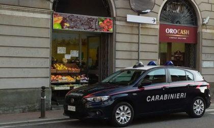 Controlli nei compro oro: i carabinieri schedano i preziosi sospetti