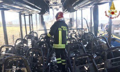Paura a Zogno: autobus della Sab andato in fiamme. Fortunatamente nessun ferito