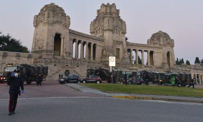 Straziante: l'Esercito porta le bare di Bergamo in altre regioni per le cremazioni