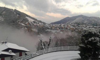 Vedere per credere: a Selvino sta nevicando (tanto siamo tutti chiusi in casa...)