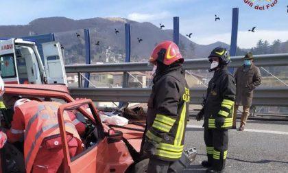 Scontro tra due automobili a Pradalunga, c'è un ferito