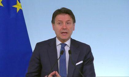Il premier Conte: «Multe da 400 a 3000 euro per chi viola le norme anti-contagio»
