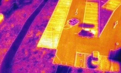 Nei cieli sopra Treviolo ci sono i droni che ti... misurano la febbre