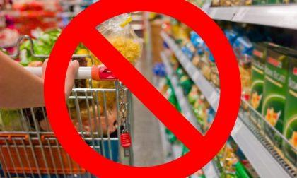 «A Pasqua chiudete i supermercati e i negozi di alimentari»