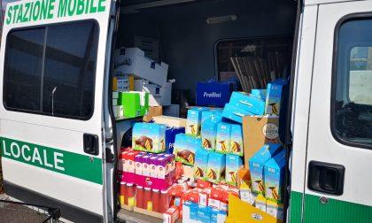 In Val Seriana la Polizia locale fa la spesa a venti famiglie bisognose e gliela regala