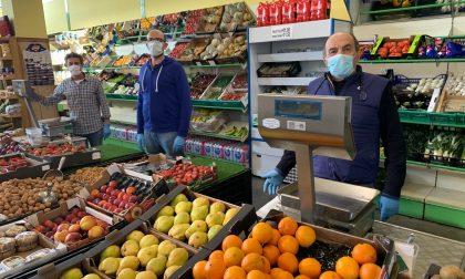 Lecchi Frutta si reinventa: nei giorni della pandemia il mercato va a casa delle massaie