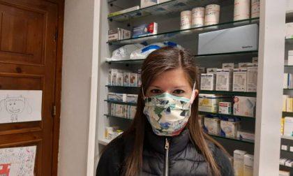 Un'anonima benefattrice ha cucito a mano e regalato 500 mascherine